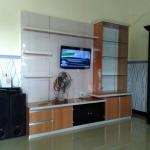 backdrop tv home interior bekasi - Backdrop TV HPL Minimalis
