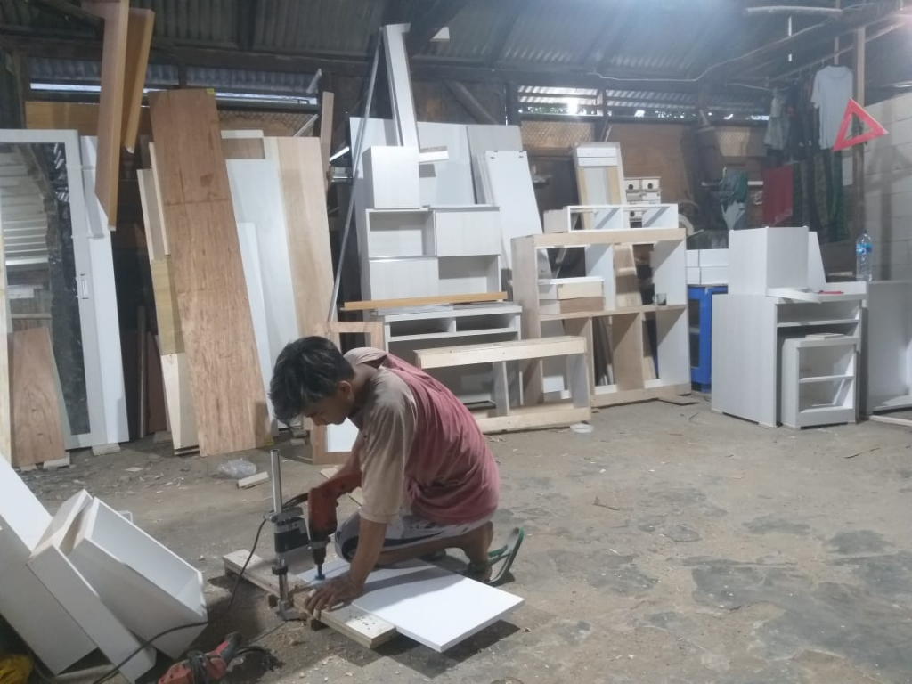 workshop aditya kitchen set bekasi (1)
